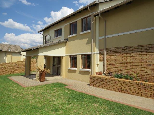 Centurion, Eldo View Property    Houses To Rent Eldo View, Eldo View, Townhouse 4 bedrooms property to rent Price:, 14,00*