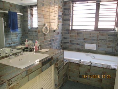 Glenvista property for sale. Ref No: 13525322. Picture no 7
