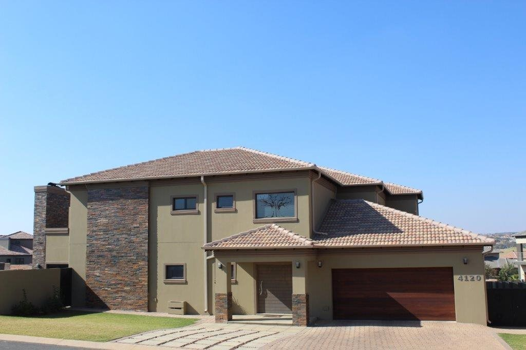 Blue Valley Golf Estate property for sale. Ref No: 13512400. Picture no 6