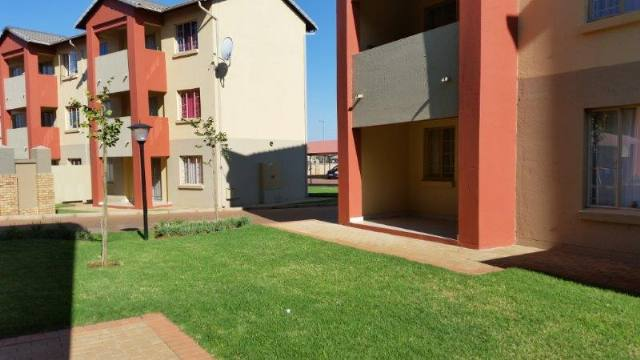 Property to Rent by Magda Uys, House, 2 Bedrooms - ZAR ,  6,00*,M