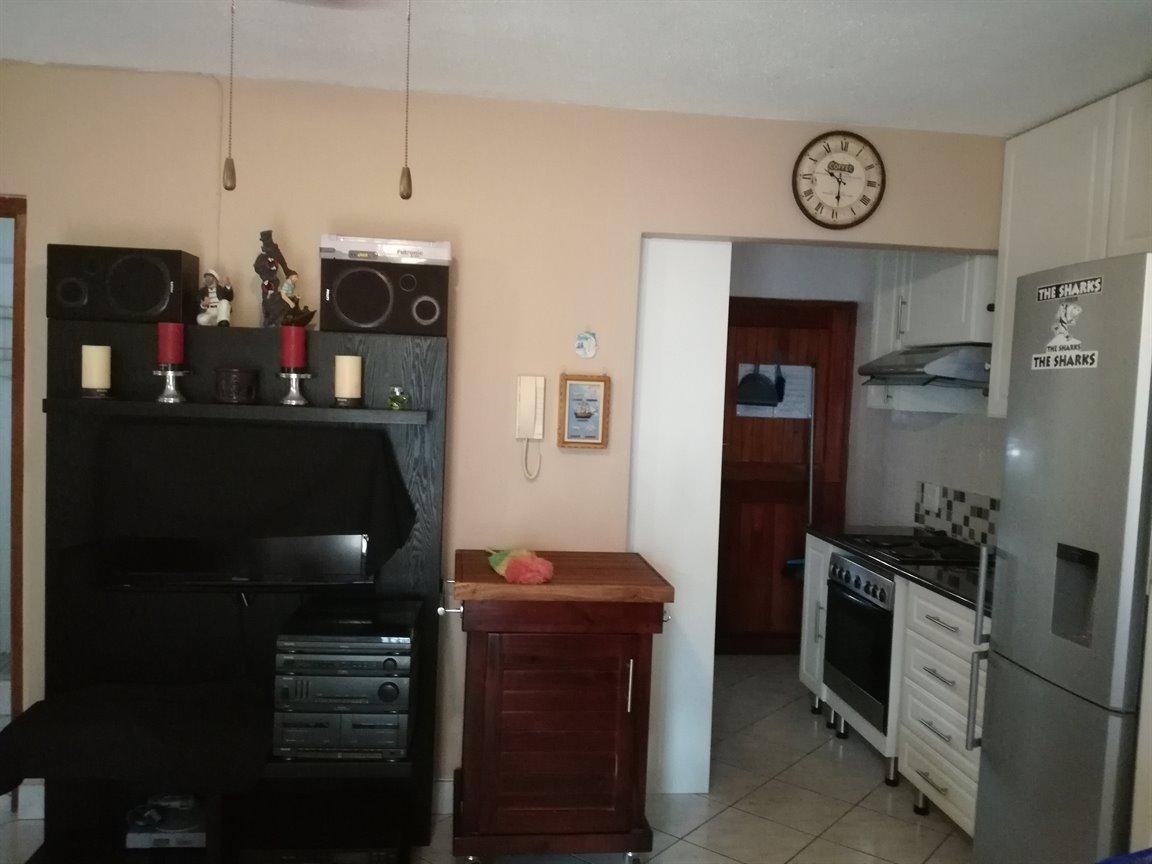 Scottburgh Central property for sale. Ref No: 13421736. Picture no 13