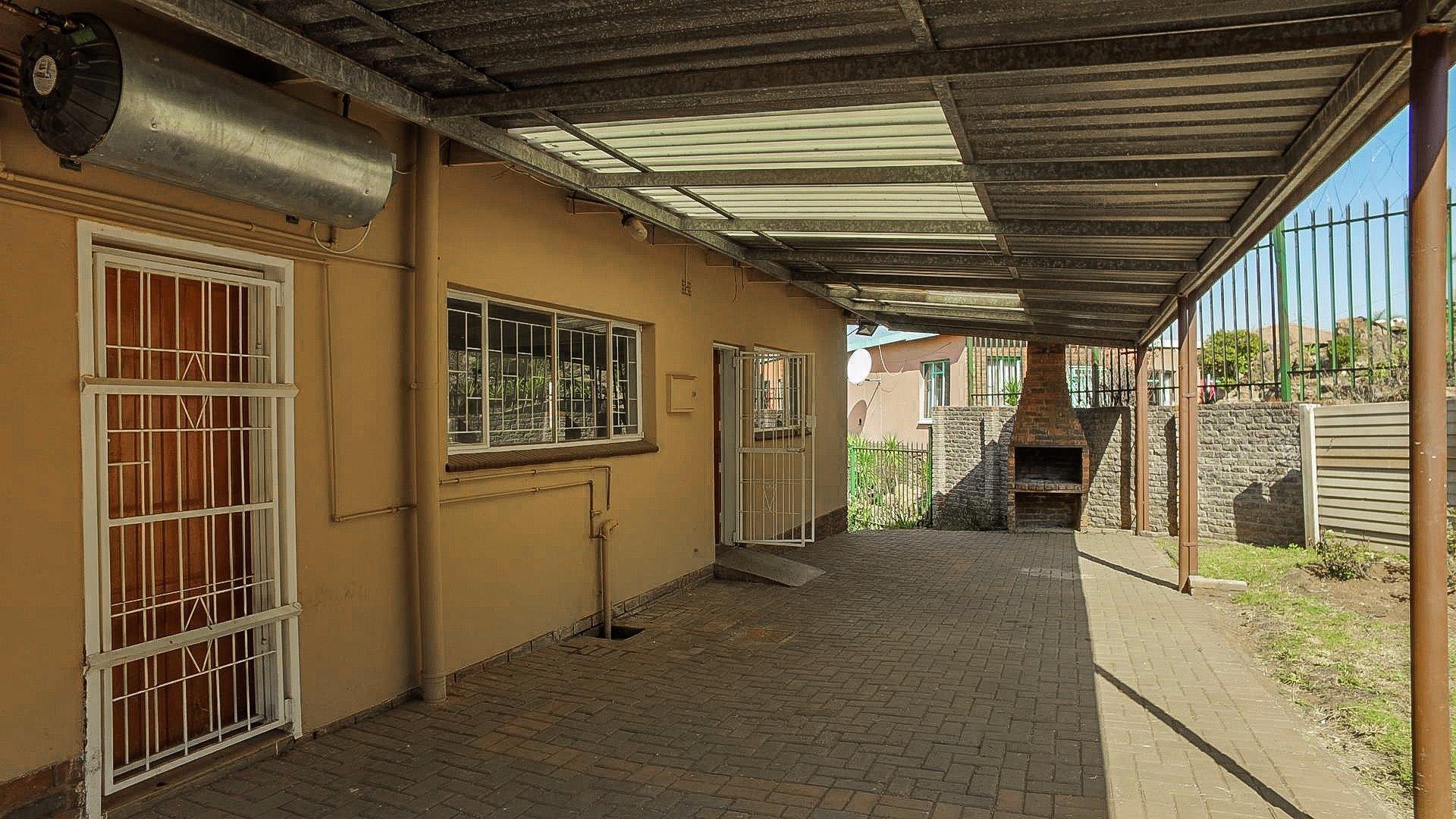 Erasmia property for sale. Ref No: 13379466. Picture no 24