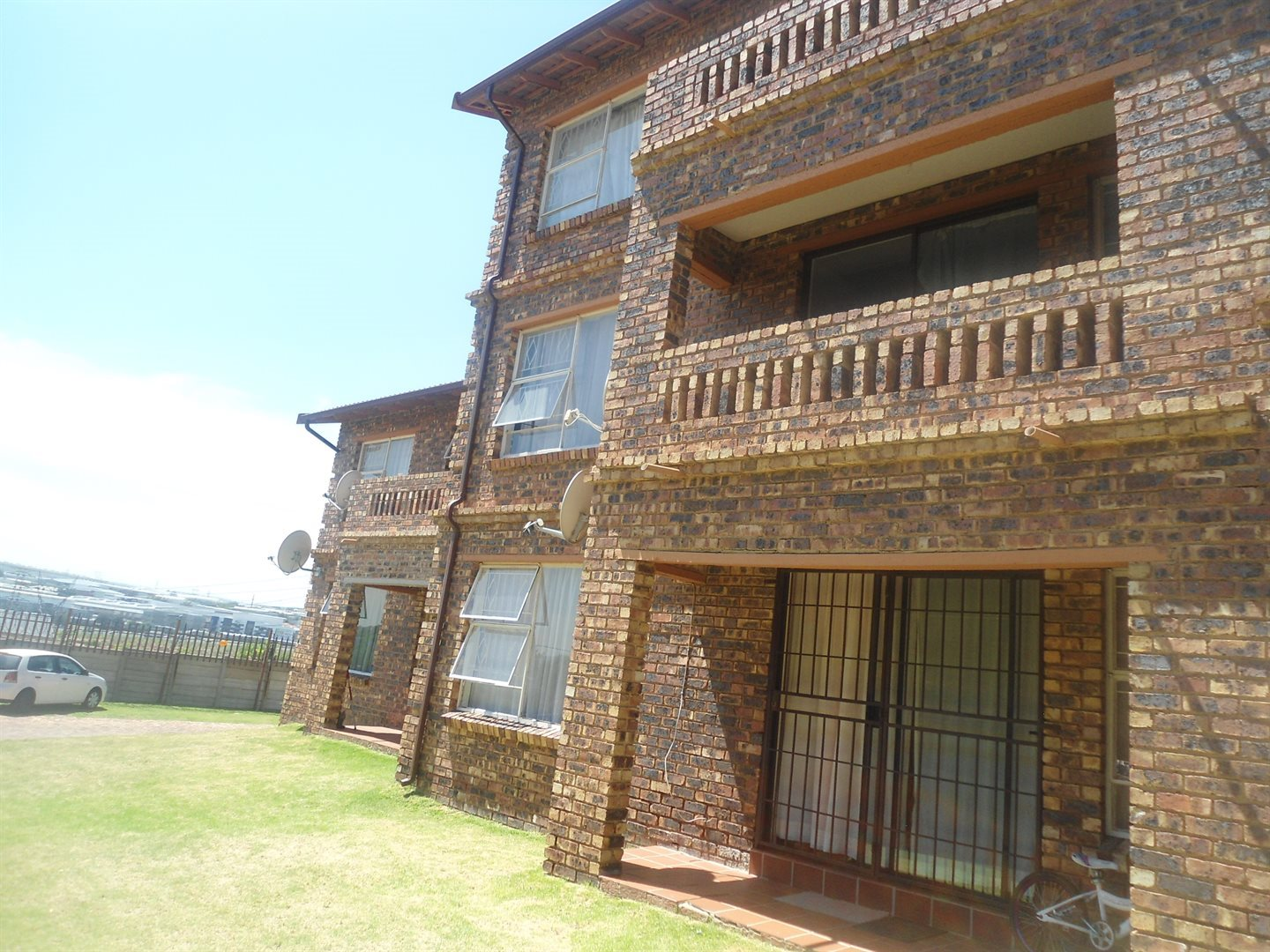 Buccleuch property to rent. Ref No: 13550619. Picture no 16