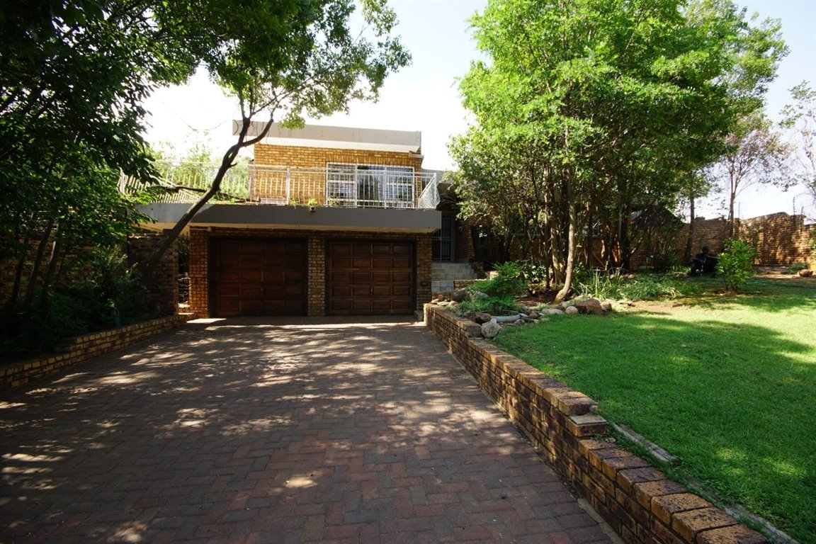 Three Rivers East property for sale. Ref No: 12734571. Picture no 1