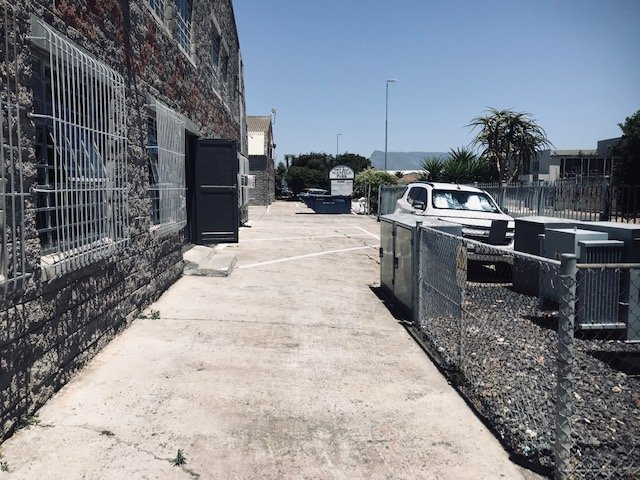 Property and Houses for sale in Montague Gardens, Commercial - ZAR 5,200,000