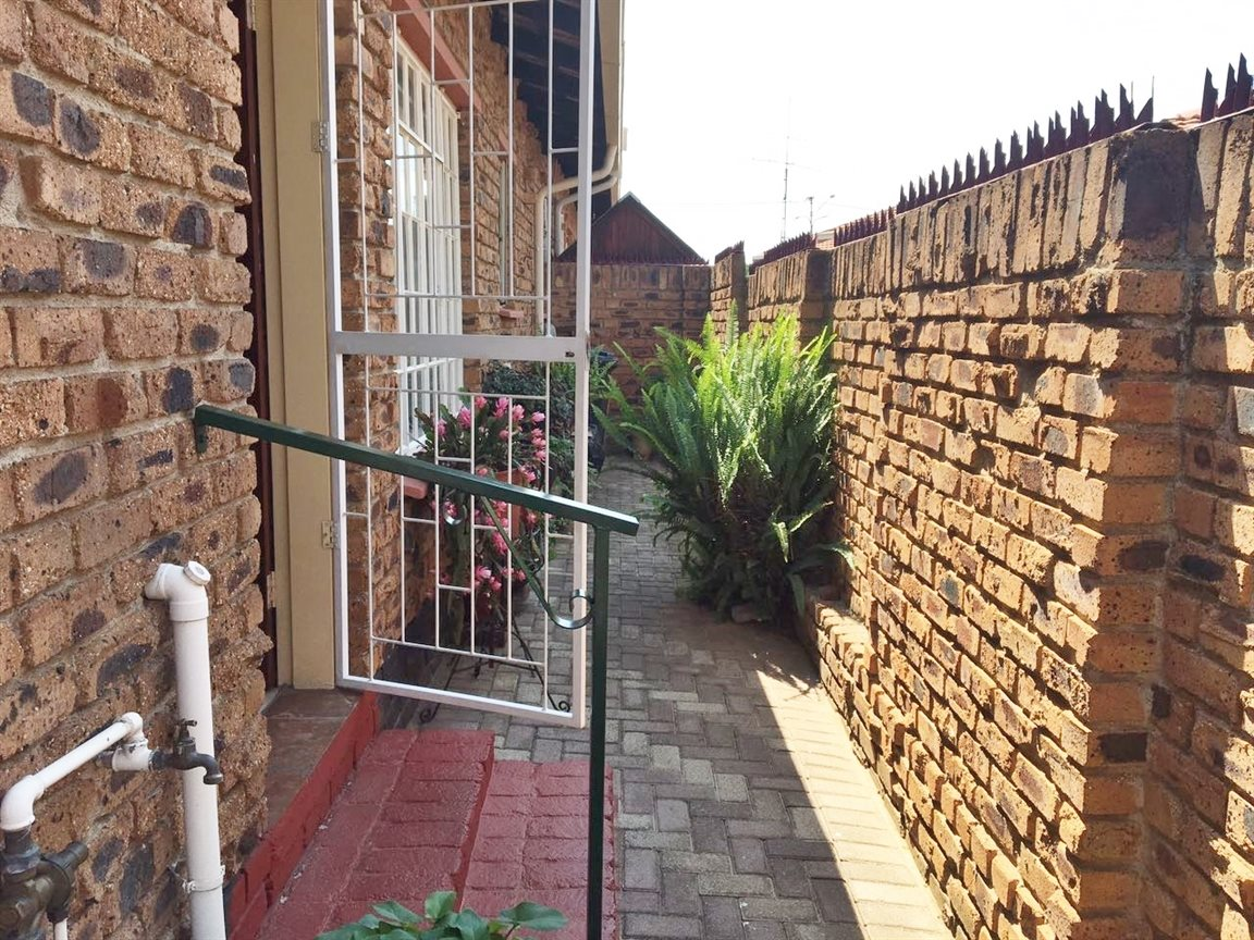Krugersdorp North for sale property. Ref No: 13402342. Picture no 15