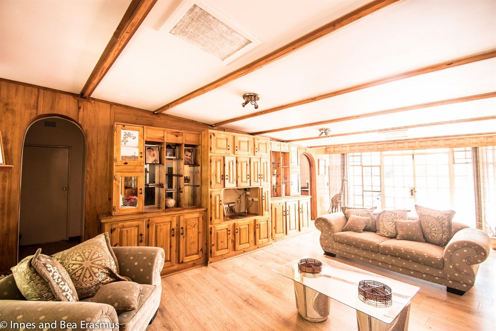 Van Der Westhuizen property for sale. Ref No: 12728959. Picture no 8