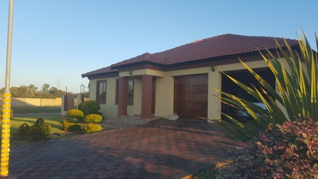 Property and Houses for sale in The Orchards, House, 3 Bedrooms - ZAR 1,458,000