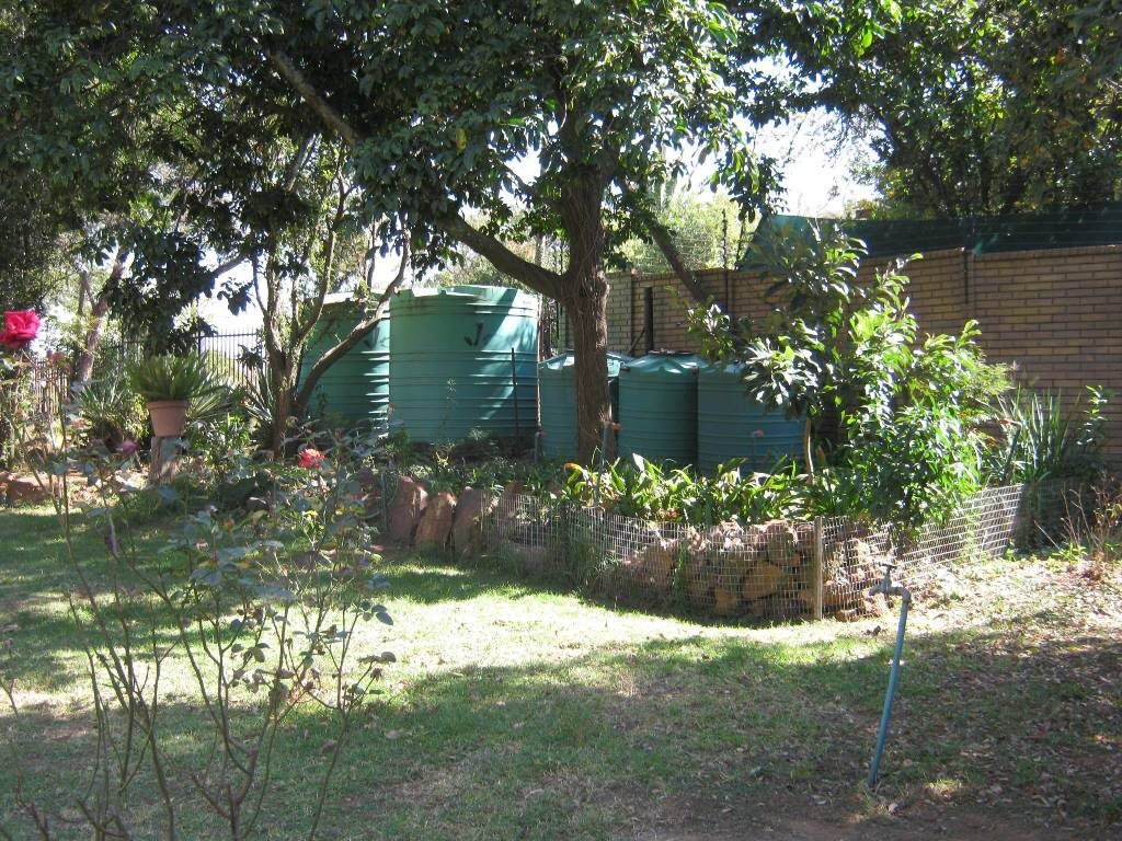 Waterkloof Glen property for sale. Ref No: 13505274. Picture no 13