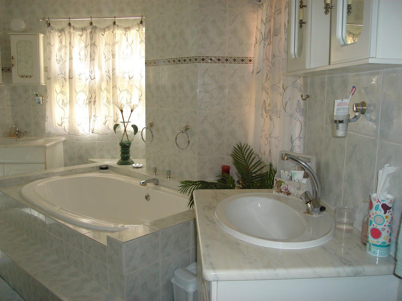 Eldoraigne property for sale. Ref No: 13494397. Picture no 28