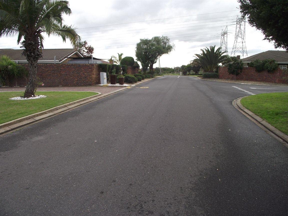 Plattekloof property to rent. Ref No: 13495691. Picture no 11