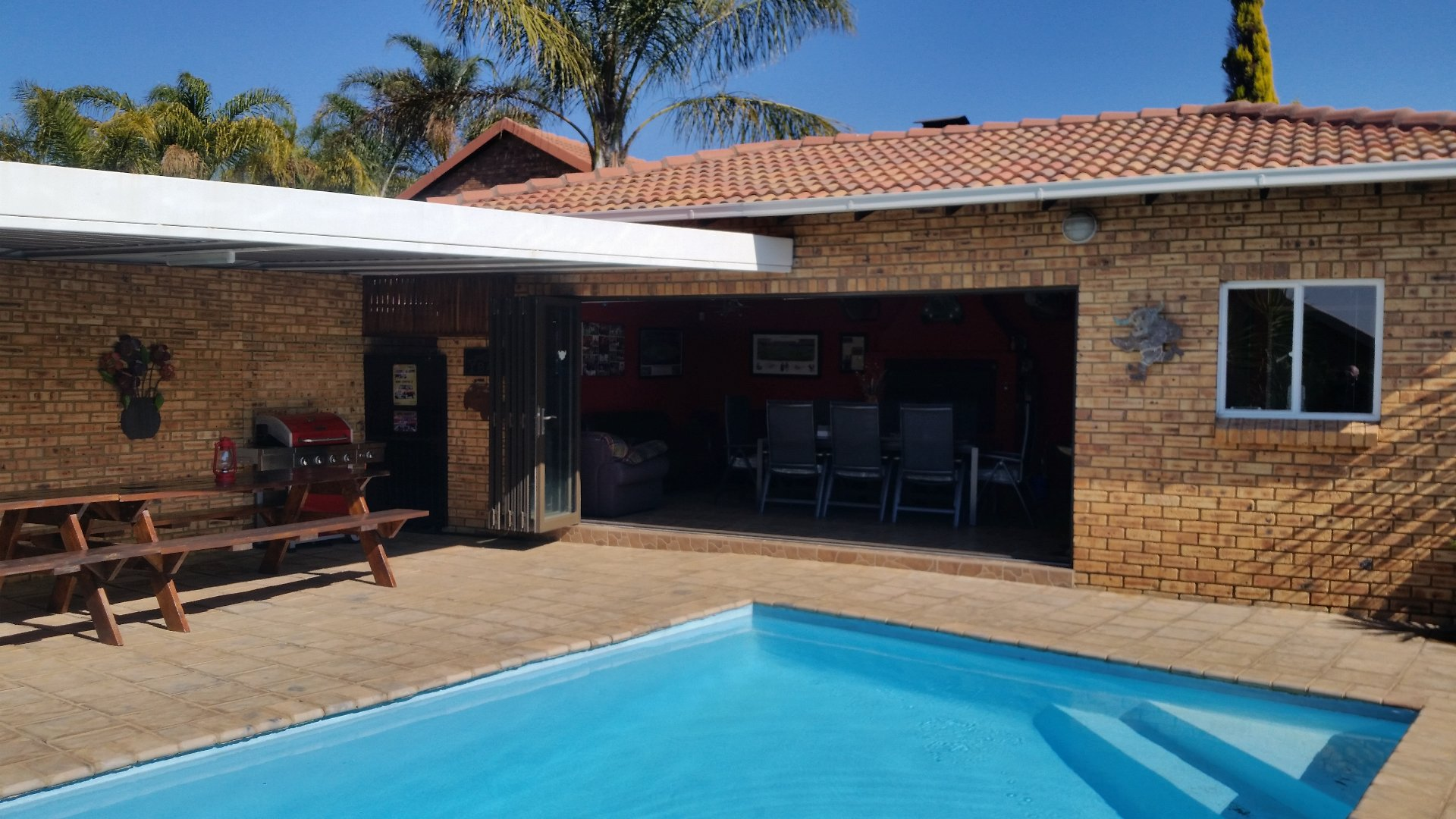 Property and Houses for sale in Thatchfield Glen, House, 3 Bedrooms - ZAR 1,990,000