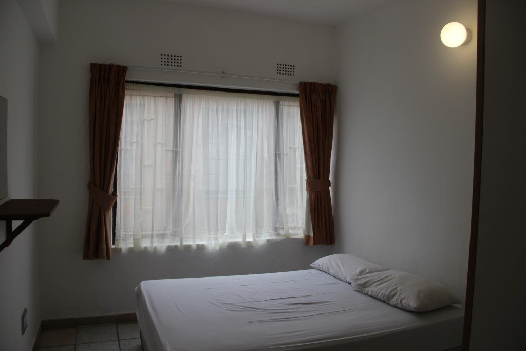 Margate property for sale. Ref No: 13387390. Picture no 8