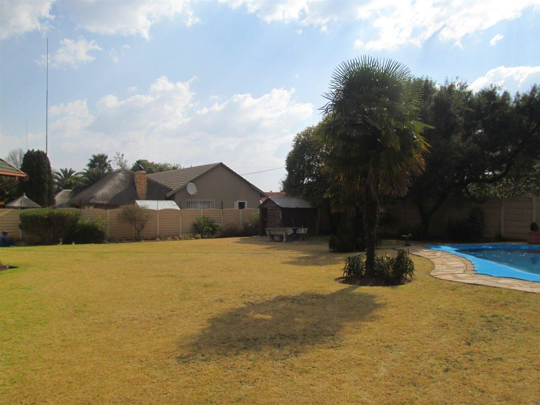 Brackenhurst property for sale. Ref No: 13540618. Picture no 25