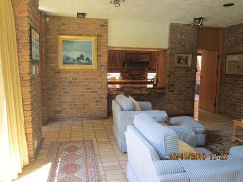 Glenvista property for sale. Ref No: 13525322. Picture no 19