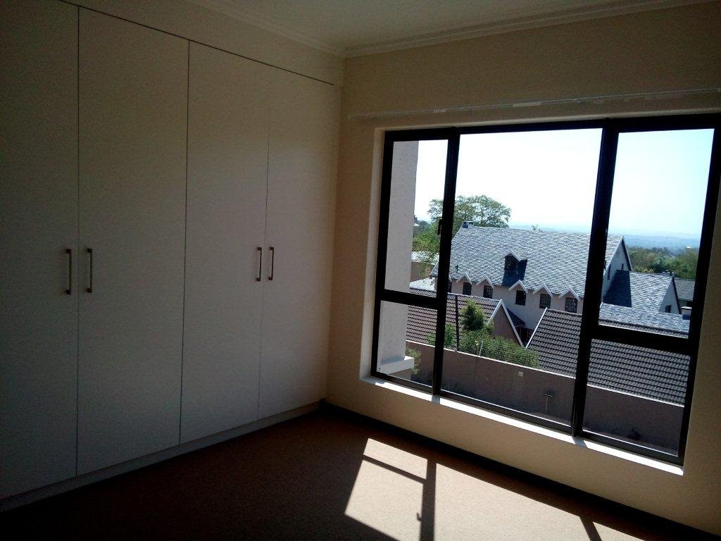 Bryanston property to rent. Ref No: 13560769. Picture no 14