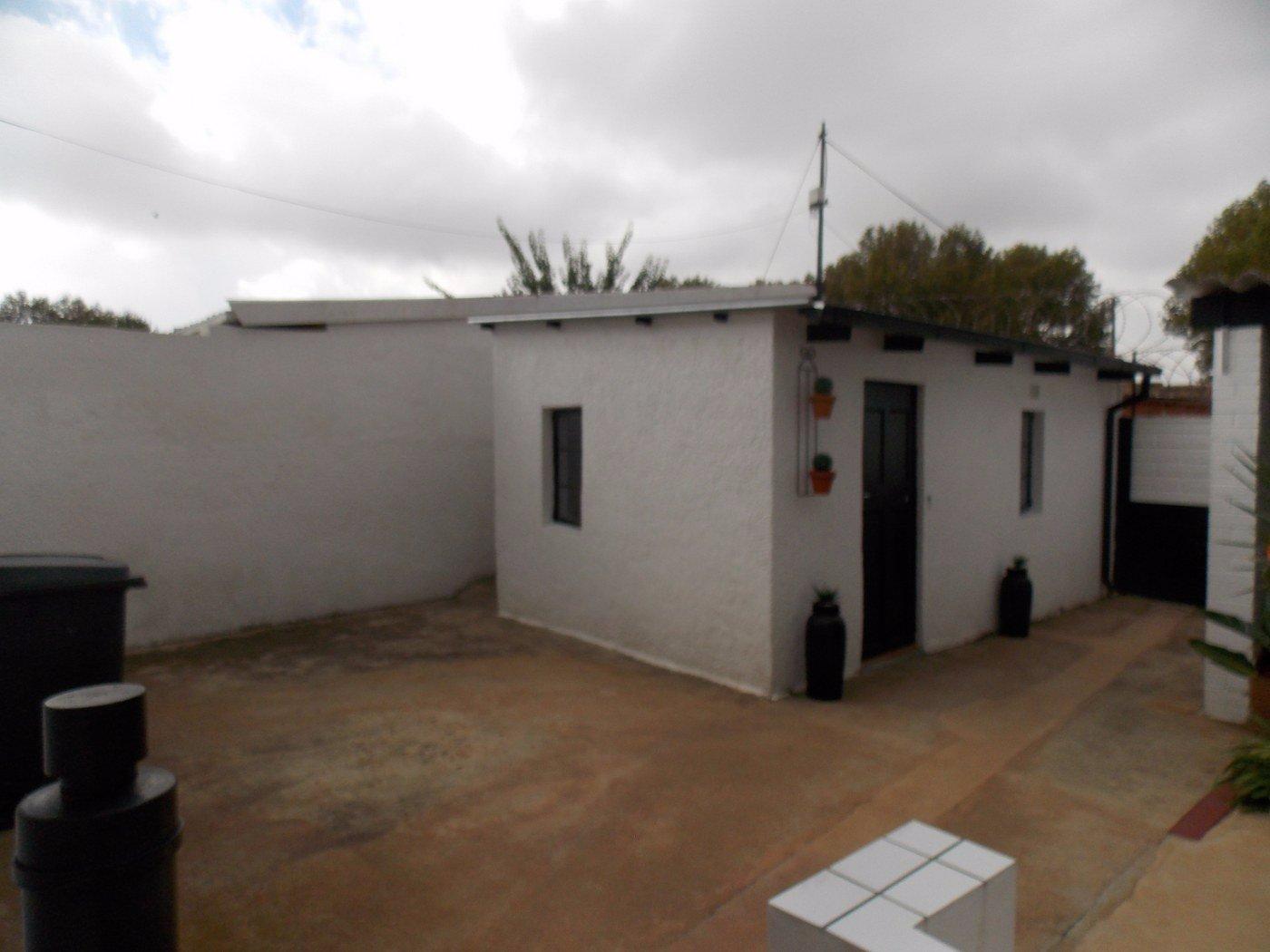 Malvern property for sale. Ref No: 13467428. Picture no 15