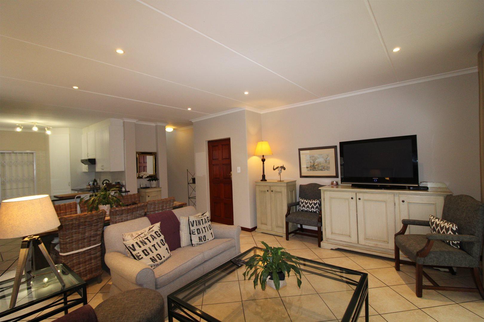 Bryanston property for sale. Ref No: 13551237. Picture no 19