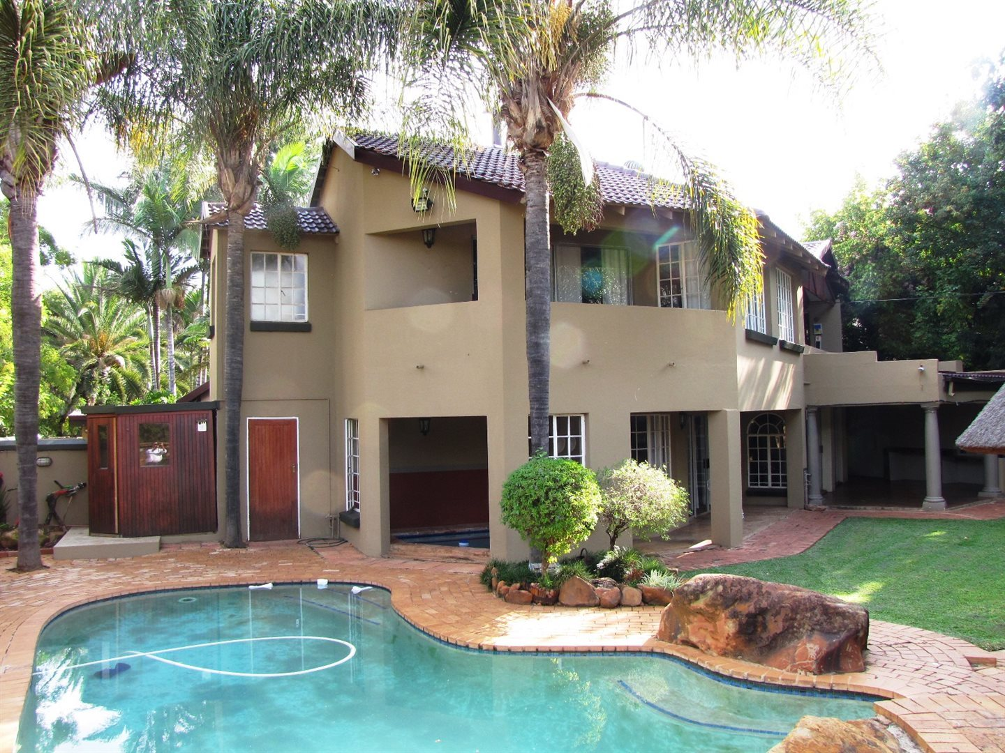 Property and Houses for sale in Garsfontein, House, 5 Bedrooms - ZAR 2,800,000