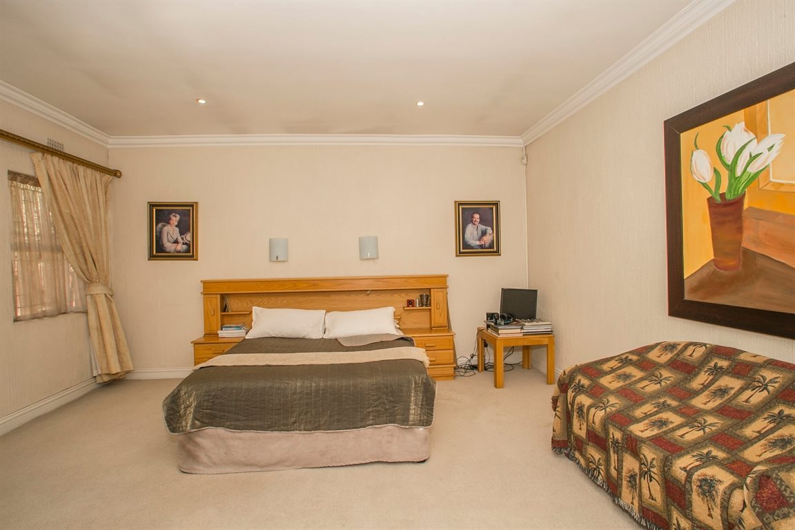 Fourways property for sale. Ref No: 13379177. Picture no 11