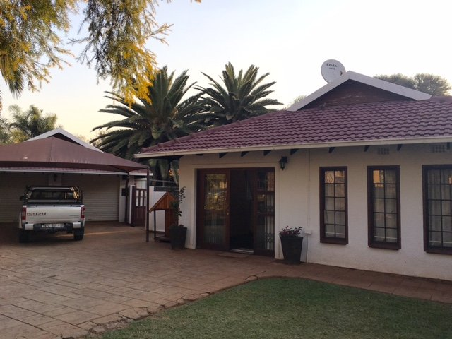 Property and Houses for sale in Doringkloof, House, 3 Bedrooms - ZAR 1,900,000
