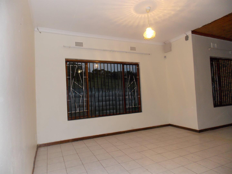 Noordsig property to rent. Ref No: 13525991. Picture no 4