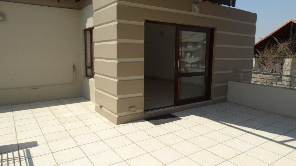 Fourways property to rent. Ref No: 13533114. Picture no 14