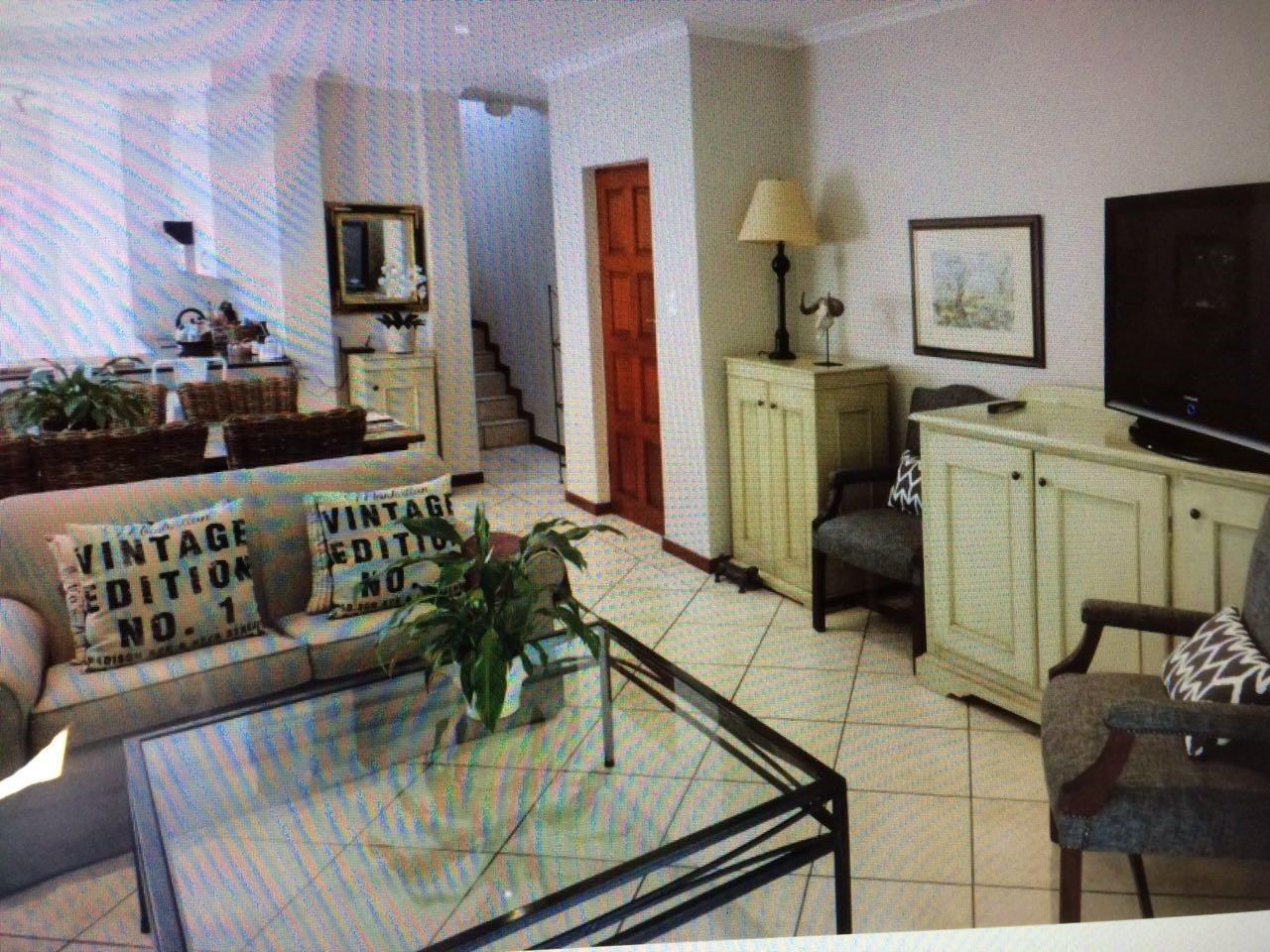 Bryanston property for sale. Ref No: 13551237. Picture no 9