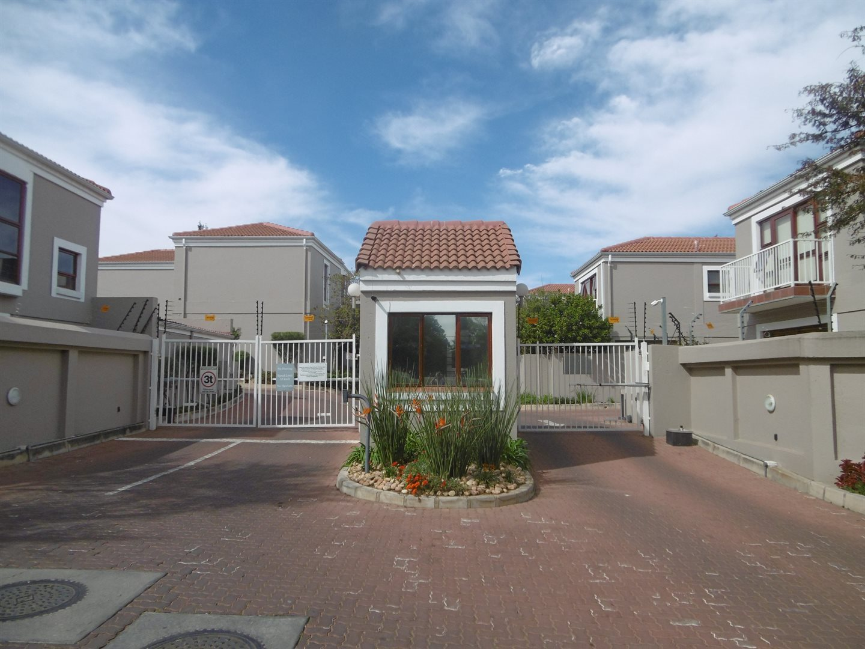 Bryanston property for sale. Ref No: 13551237. Picture no 16