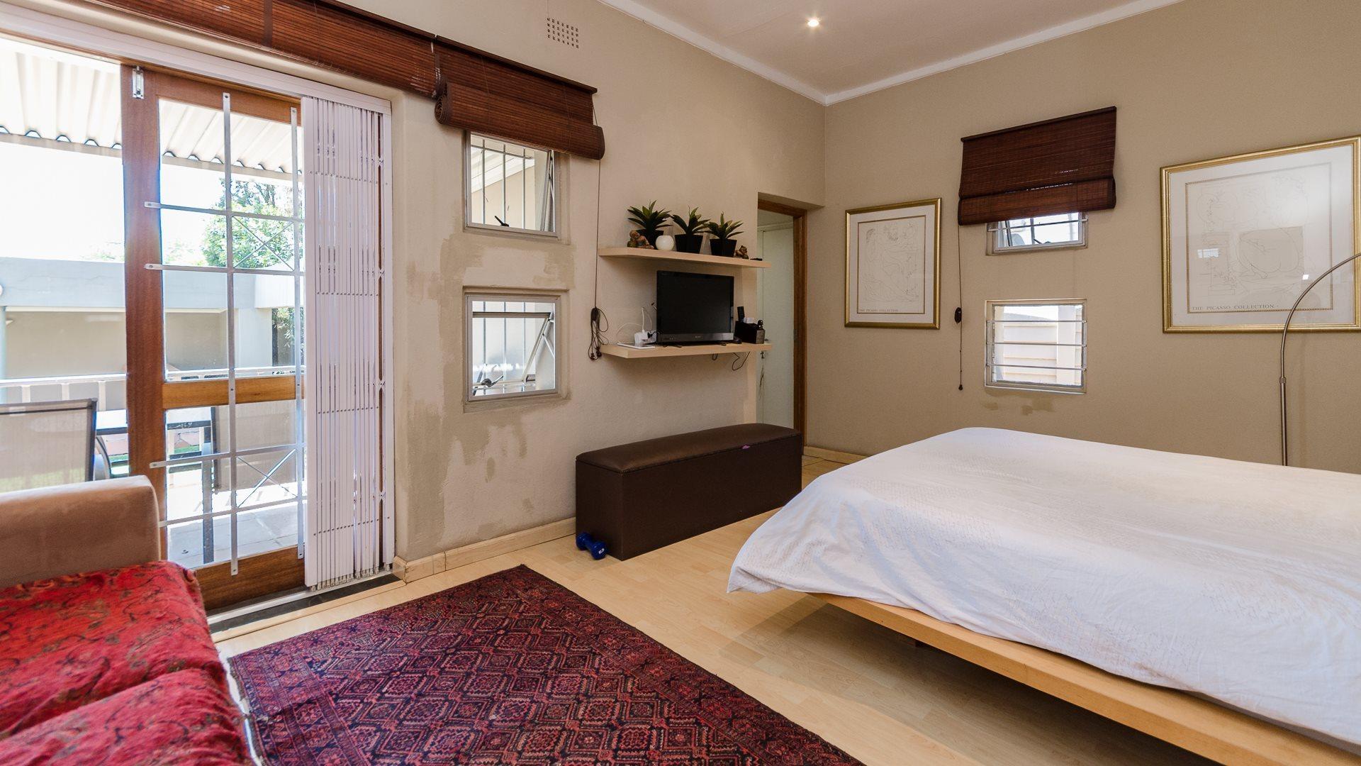 Orange Grove property for sale. Ref No: 13545446. Picture no 9