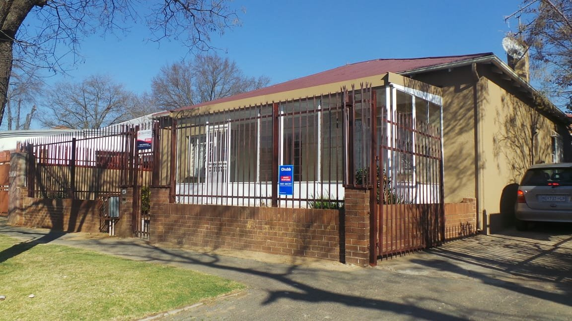 Johannesburg, Turffontein Property  | Houses For Sale Turffontein, Turffontein, House 3 bedrooms property for sale Price:849,000