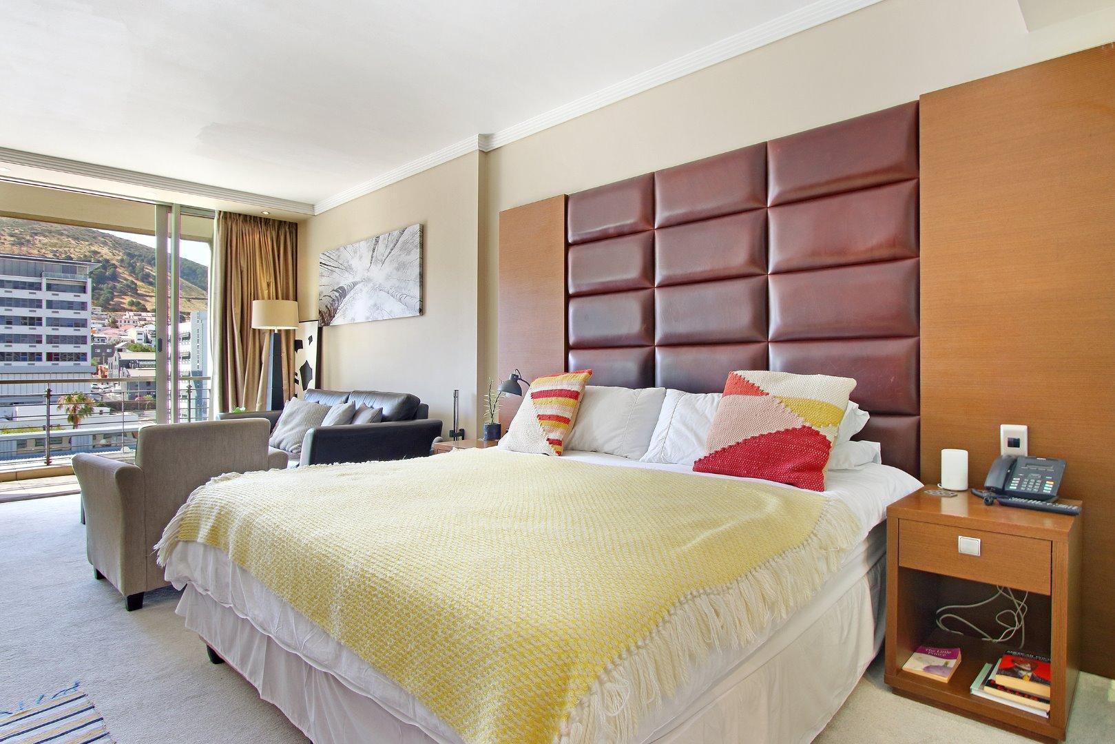 Cape Town City Centre property for sale. Ref No: 13715960. Picture no 10