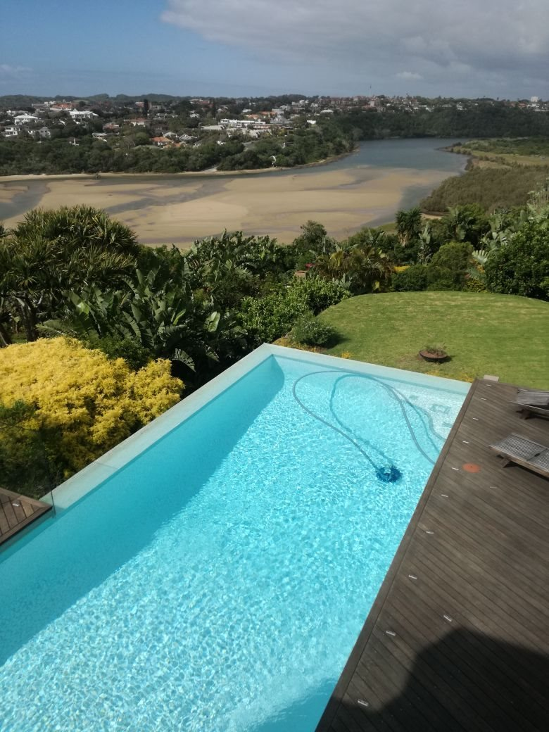 Beacon Bay property for sale. Ref No: 13566308. Picture no 33
