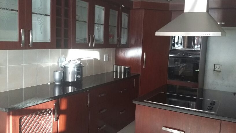 Karenpark property for sale. Ref No: 13565301. Picture no 5