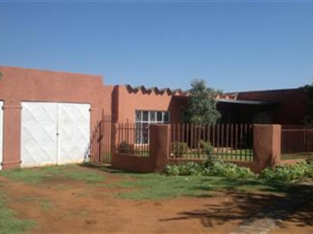Glen Donald A H property for sale. Ref No: 13286631. Picture no 15