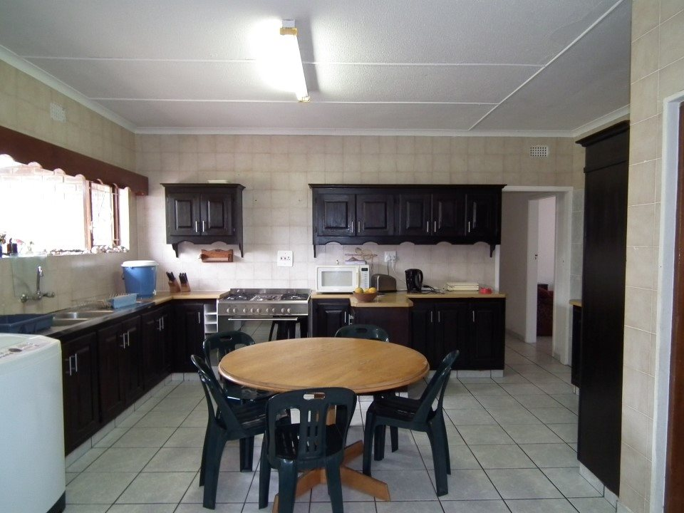 Uvongo property for sale. Ref No: 13394823. Picture no 32