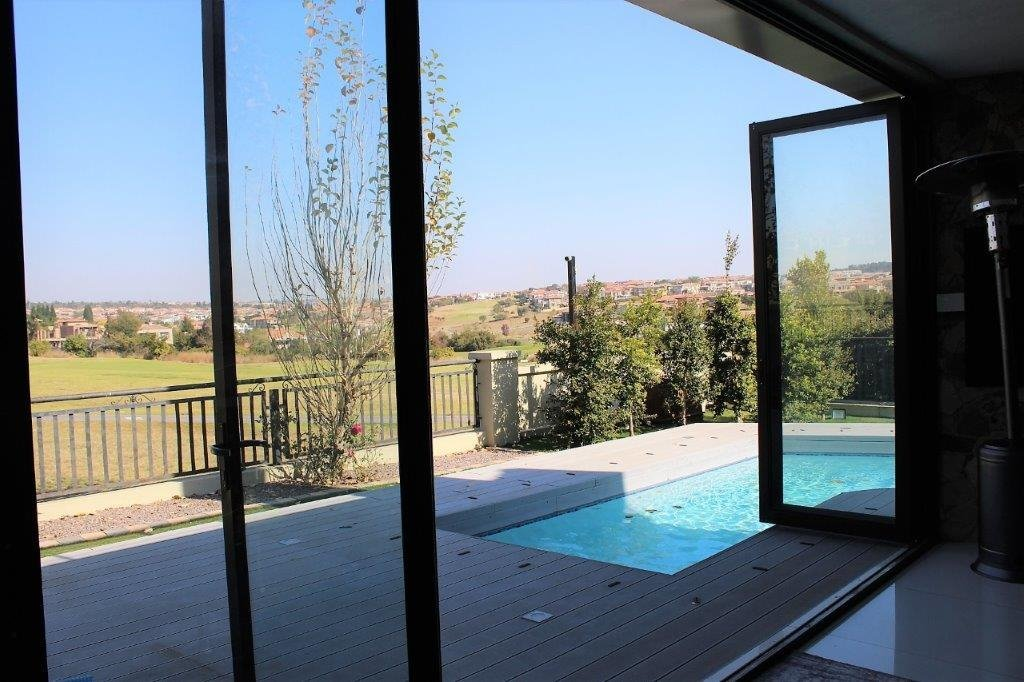 Blue Valley Golf Estate property for sale. Ref No: 13491559. Picture no 32