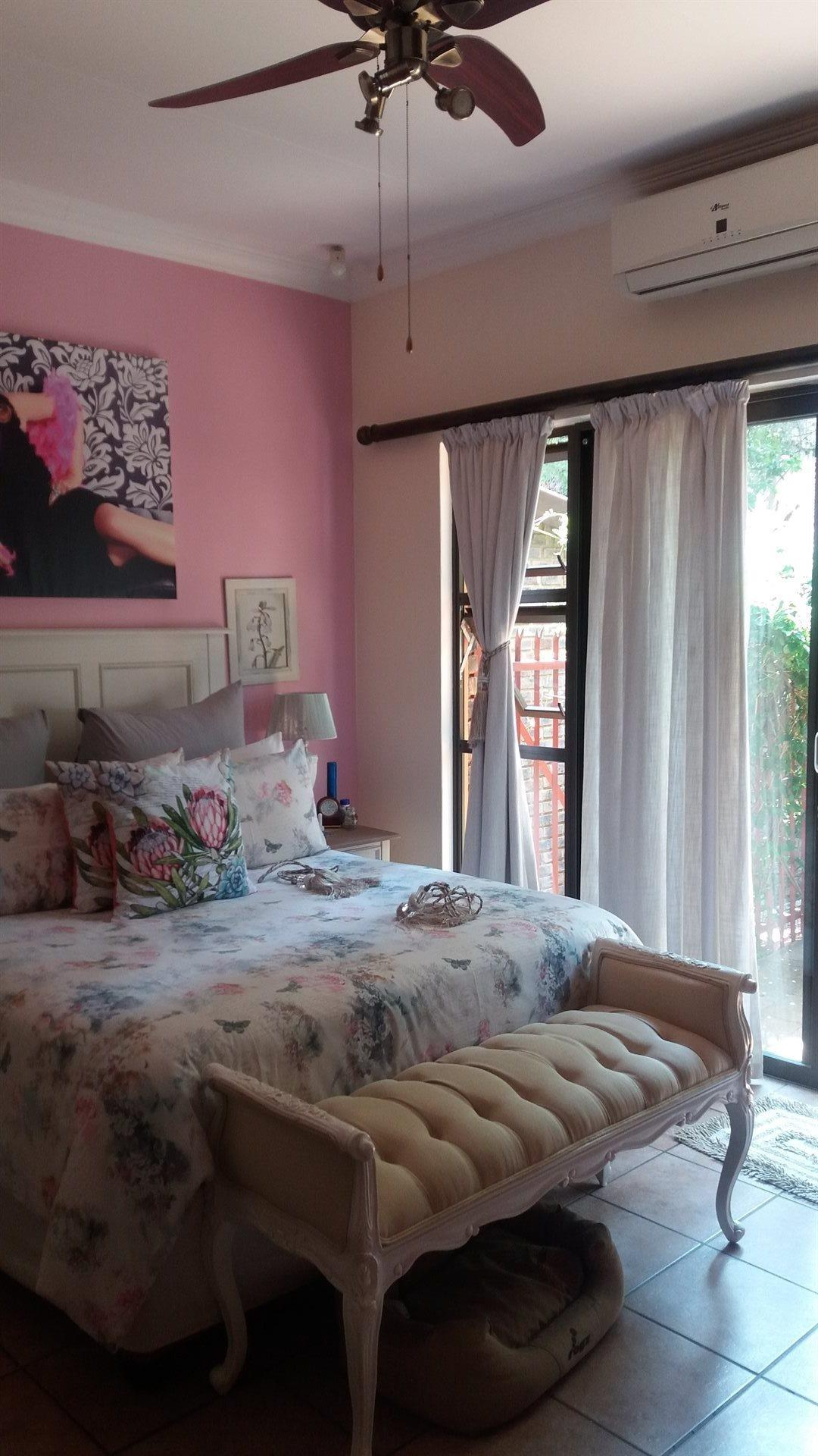 Theresapark property for sale. Ref No: 13566719. Picture no 11