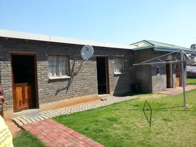 Leeuhof property for sale. Ref No: 12729519. Picture no 9