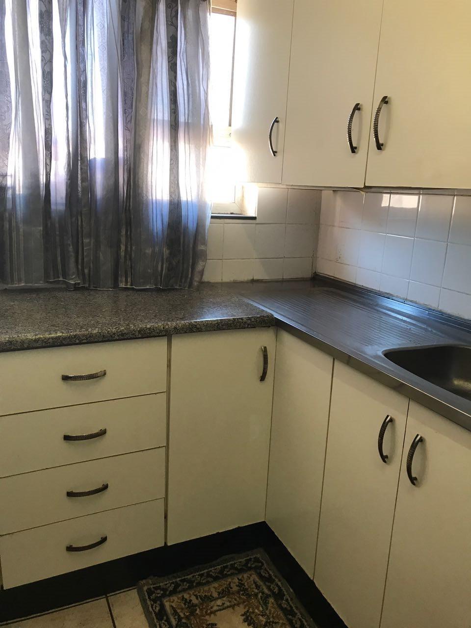Brackenham property for sale. Ref No: 13492989. Picture no 4