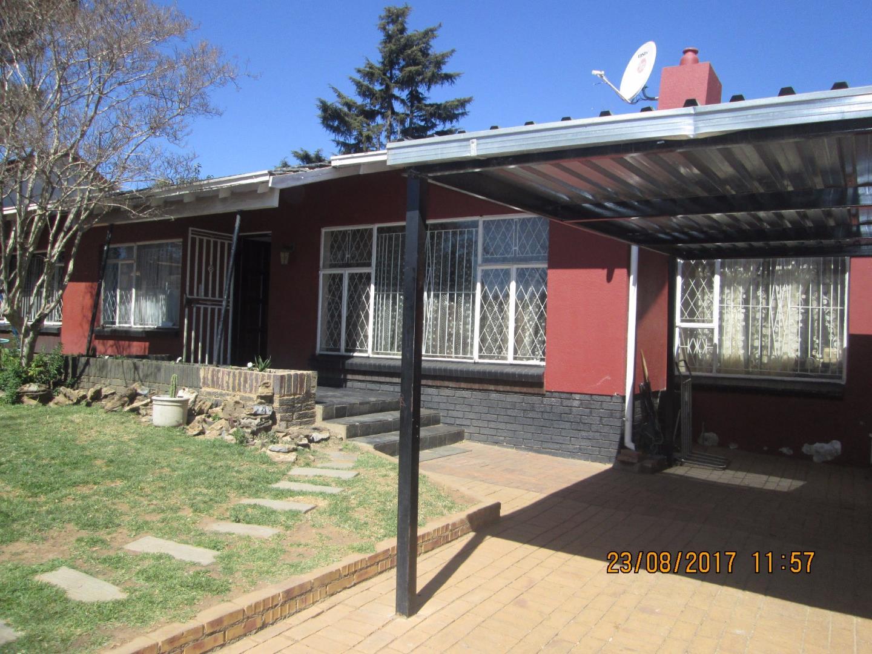 Johannesburg, Ridgeway Property  | Houses For Sale Ridgeway, Ridgeway, House 4 bedrooms property for sale Price:1,375,000