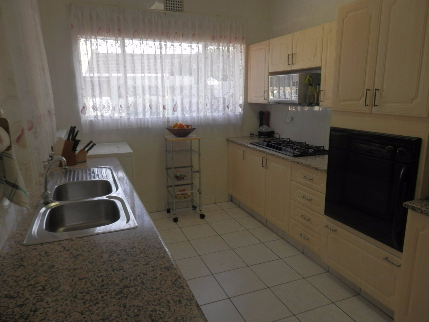 Kibler Park for sale property. Ref No: 13534955. Picture no 14