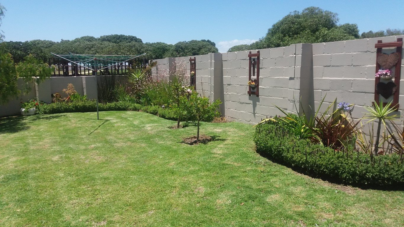 Country Club property for sale. Ref No: 13567857. Picture no 9