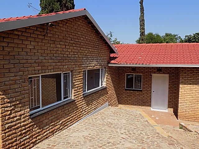 Naturena property for sale. Ref No: 13552045. Picture no 2