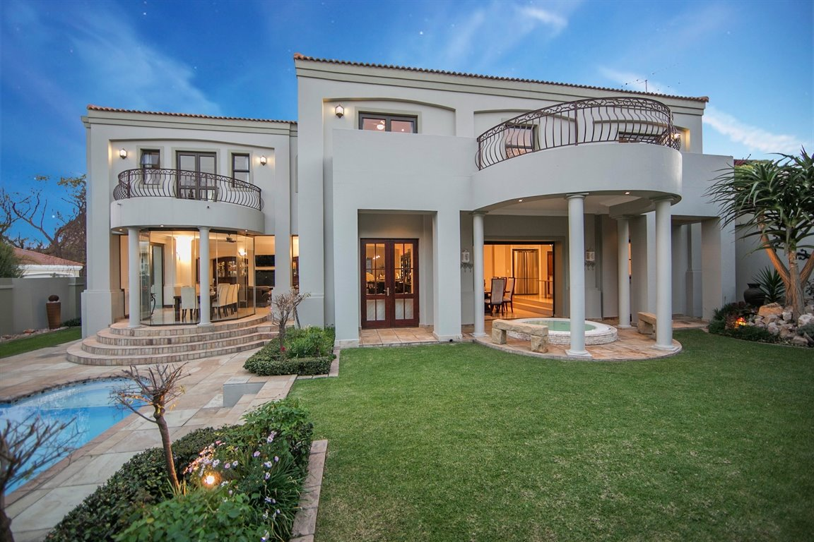 Dainfern Golf Estate property for sale. Ref No: 13290015. Picture no 35