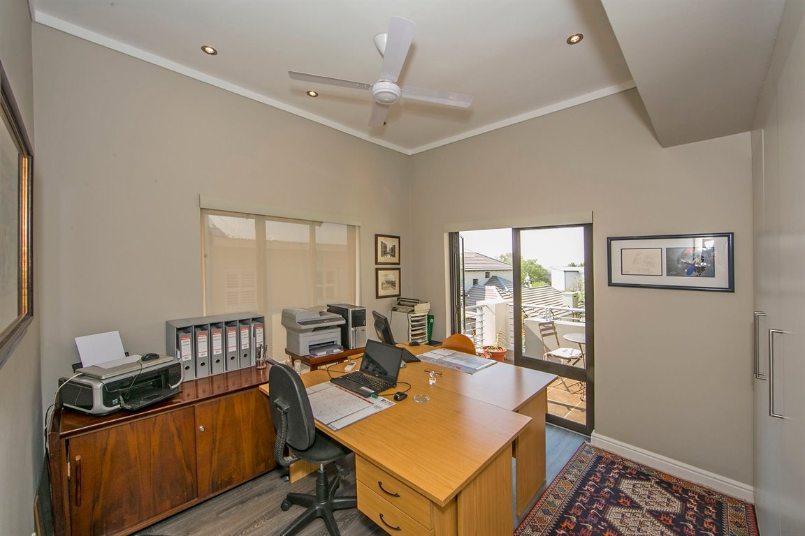 Fourways property for sale. Ref No: 13383649. Picture no 10