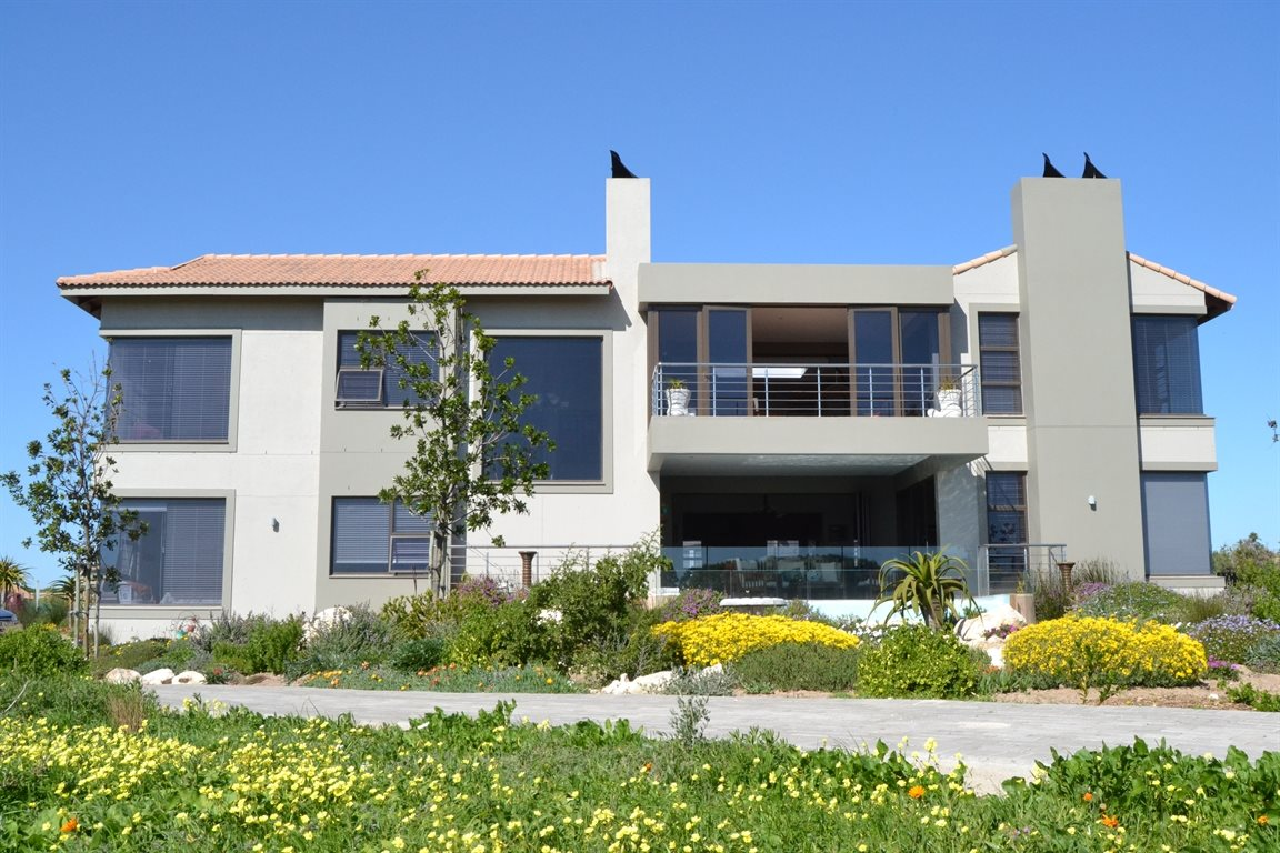 Property and Houses for sale in Langebaan Country Estate, House, 5 Bedrooms - ZAR 7,500,000
