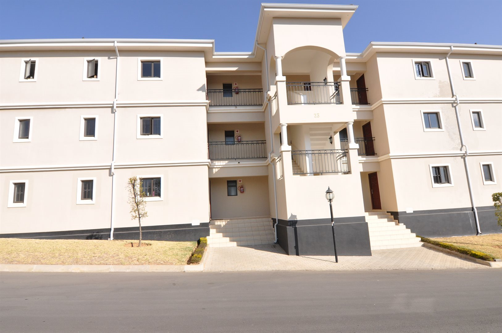 Craigavon property to rent. Ref No: 13525992. Picture no 13