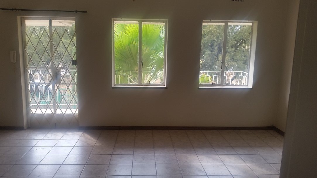 Three Rivers Proper property for sale. Ref No: 13230267. Picture no 4