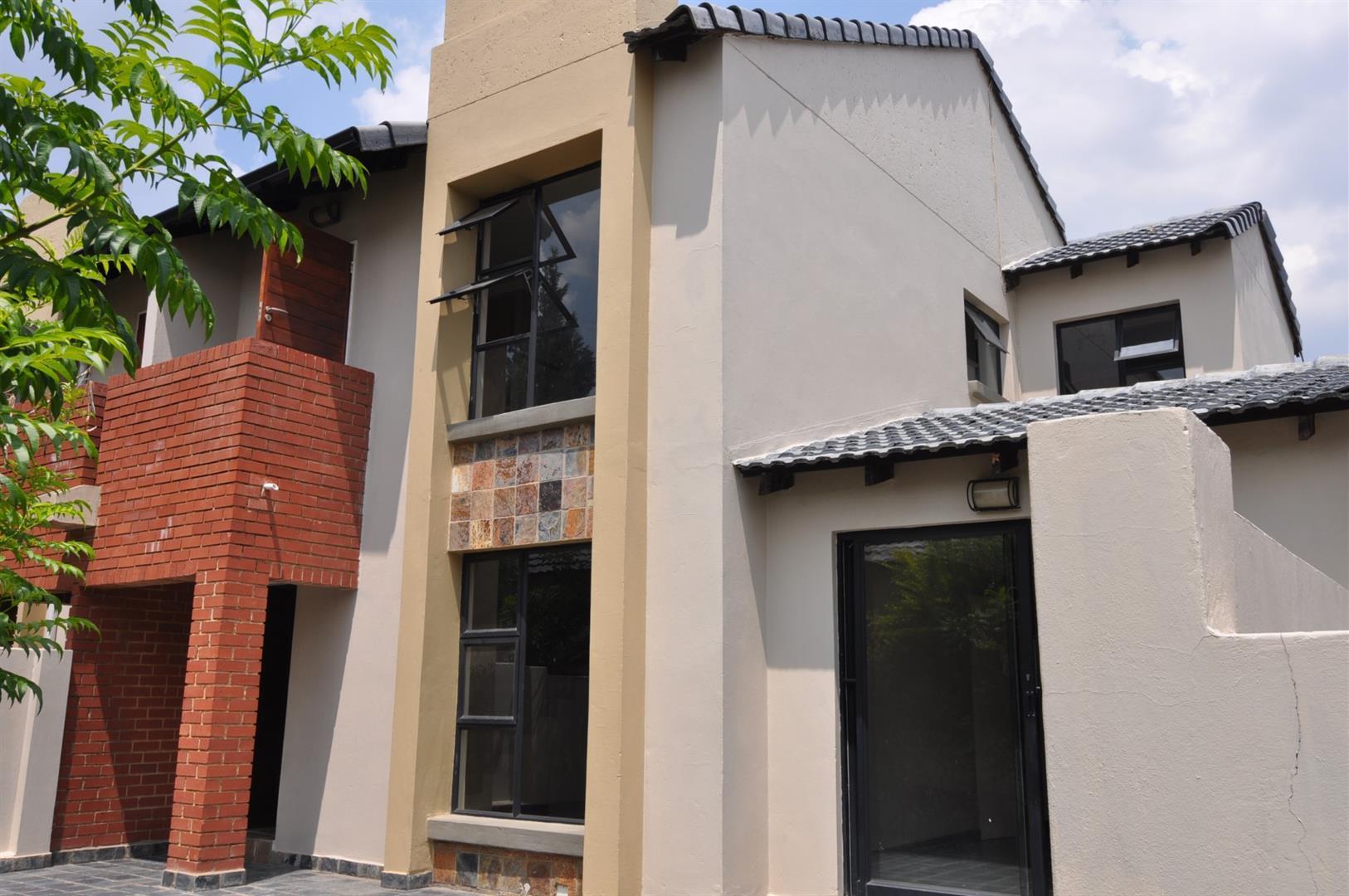 Sandton, Craigavon Property  | Houses To Rent Craigavon, Craigavon, Townhouse 3 bedrooms property to rent Price:, 14,00*